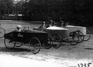 Les premières voitures à pédales en 1925