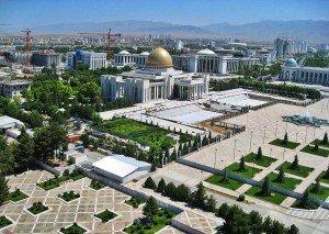 Achgabat centre ville square de l'indépendance et place du présidentTurkménistan 04