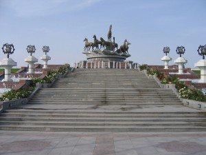 Achgabat la place des chevaux Turkménistan