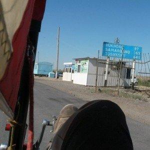 franchissement de la frontière du Turkménistan vers l'Ouzbékistan