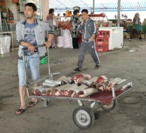 Tashkent - marché de la viande à Tashkent 02
