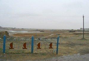 Mer d'Aral 06 Port d'Aralsk bateaux abandonnés dans l'assèchement de la mer