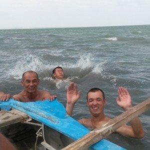 Mer d'Aral 12  se baigner dans la mer d'Aral - fait