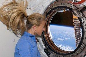 Station spatiale internationale en 2011  02