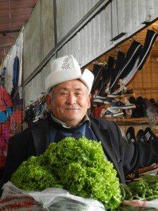 Bishkek - homme avec son Ak-KAlpak 04