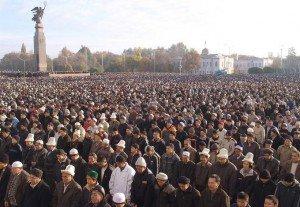 Bishkek réunion sur la place Ala Too