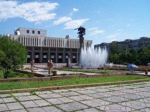 Bishkek statue de Manas 02