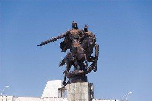 Bishkek statue de Manas 05