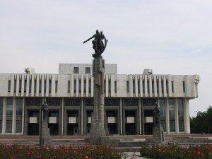 Bishkek statue de Manas 08