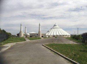 Mosquée de Sheikh Khalifa bin Zayed Al Nahyan - Shymkent 02  mars 2013.jpg  29 juillet 2014