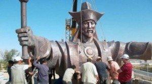 Shymkent statue de Baydibek Karashauly  1356-1419 compagnon et ami de Tamerlan