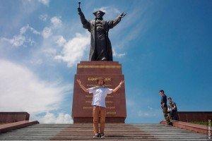 Shymkent statue de Baydibek Karashauly  1356-1419 compagnon et ami de Tamerlan.jpg 02