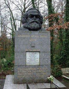 Tombe de Marx à Londres dans le cimetière de Highgate -1883 -