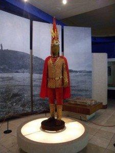Almaty Musée archéologique reconstitution de l'Homme d'or .