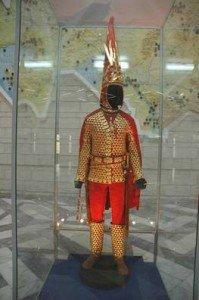 Almaty Musée archéologique reconstitution de l'Homme d'or 02