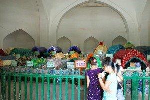 Kashgar 18  bis Mausolée d'Abakh Khodja intérieur des tombeaux