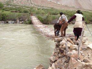 pont sur la pianj 04 Alichur 2012