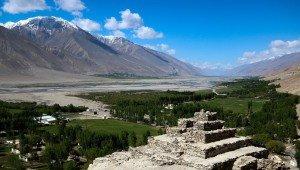 stupa de Vrang avec la Panj river en arrière plan 2014