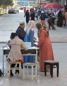 poste de contrôle objectif beauté dans les rues de Kashgar 01 30 nov 2013