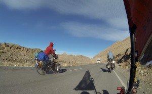Laurent et les deux australiens  sur la route de Kashgar 03